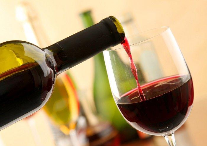 ¿Se puede beber vino haciendo dieta?
