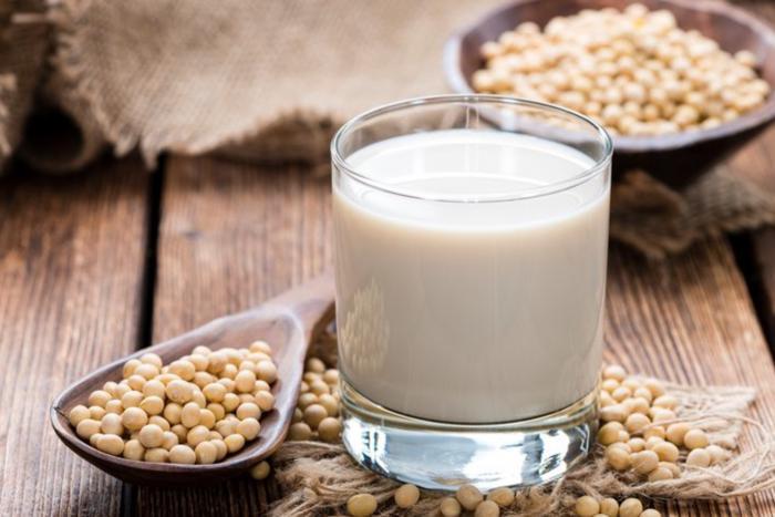 Beneficios de cambiarnos a la leche de soja
