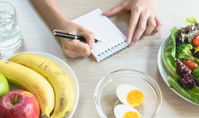 ¿Y si comer solo cuando tuviéramos hambre fuera la solución para adelgazar?